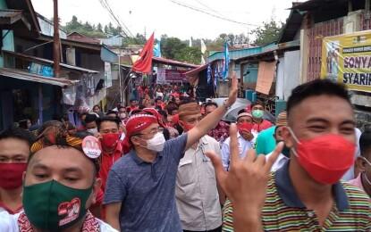 Masuk Keluar Lorong, AA-RS Disambut Ribuan Warga Manado