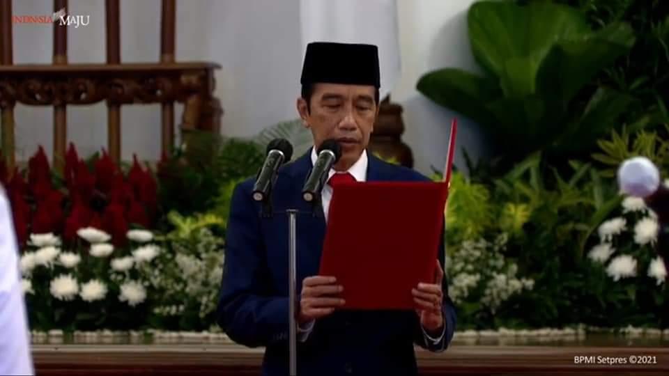Presiden Jokowi membacakan Sumpah Janjipada pelantikan Gubernur dan Wakil Gubernur Sulut di Istana Negara, Senin (15/02/2021)