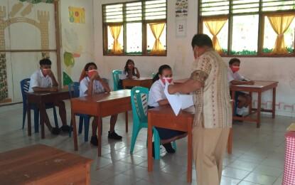 Meski Minimnya Jaringan Seluler, 19 Siswa SMPN 3 Sinonsayang Tetap Ikut UAS