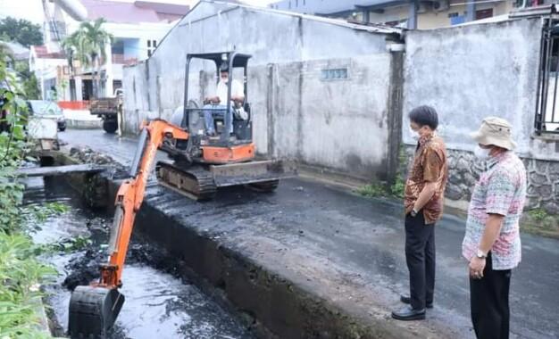 Walikota Manado Tinjau Pekerjaan Drainase