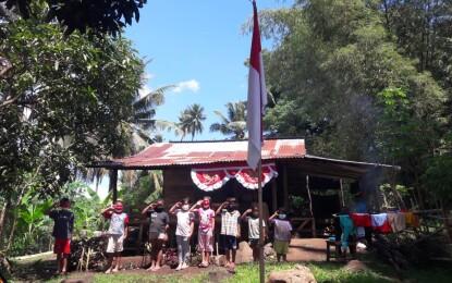 Melihat Dari Dekat Detik-detik Proklamasi Ala Anak Sekolah di Desa Kalasey Satu