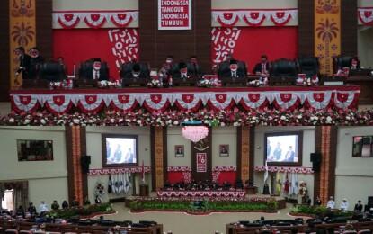 Gubernur Olly Hadiri Rapat Paripurna DPRD Sulut Mendengarkan Pidato Presiden Jokowi
